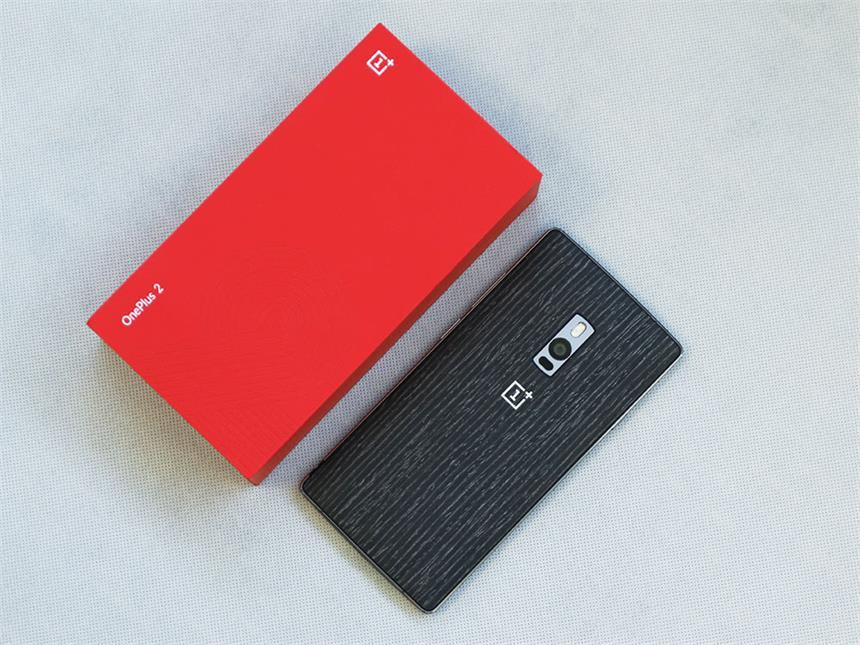 一加手机,给你多一种的选择 一加2首发就推出了五种材质的后盖