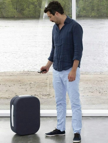 自动跟随主人行走的旅行箱 三星或有同类产品
